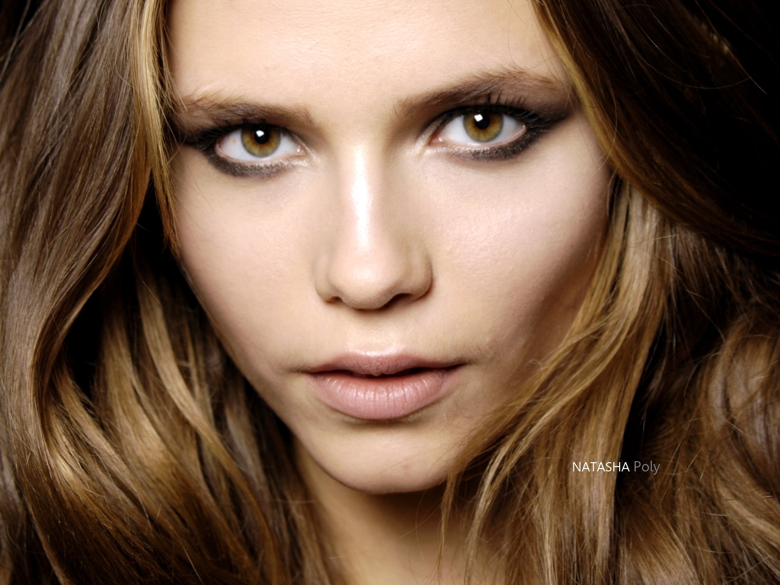 http://4.bp.blogspot.com/-h69ZkYc-eo4/T7_WGsKiDKI/AAAAAAAAL9g/8CzeIeTvxp0/s1600/Natasha_Poly_Fashion_model_wallpaper_1600x1200.jpg