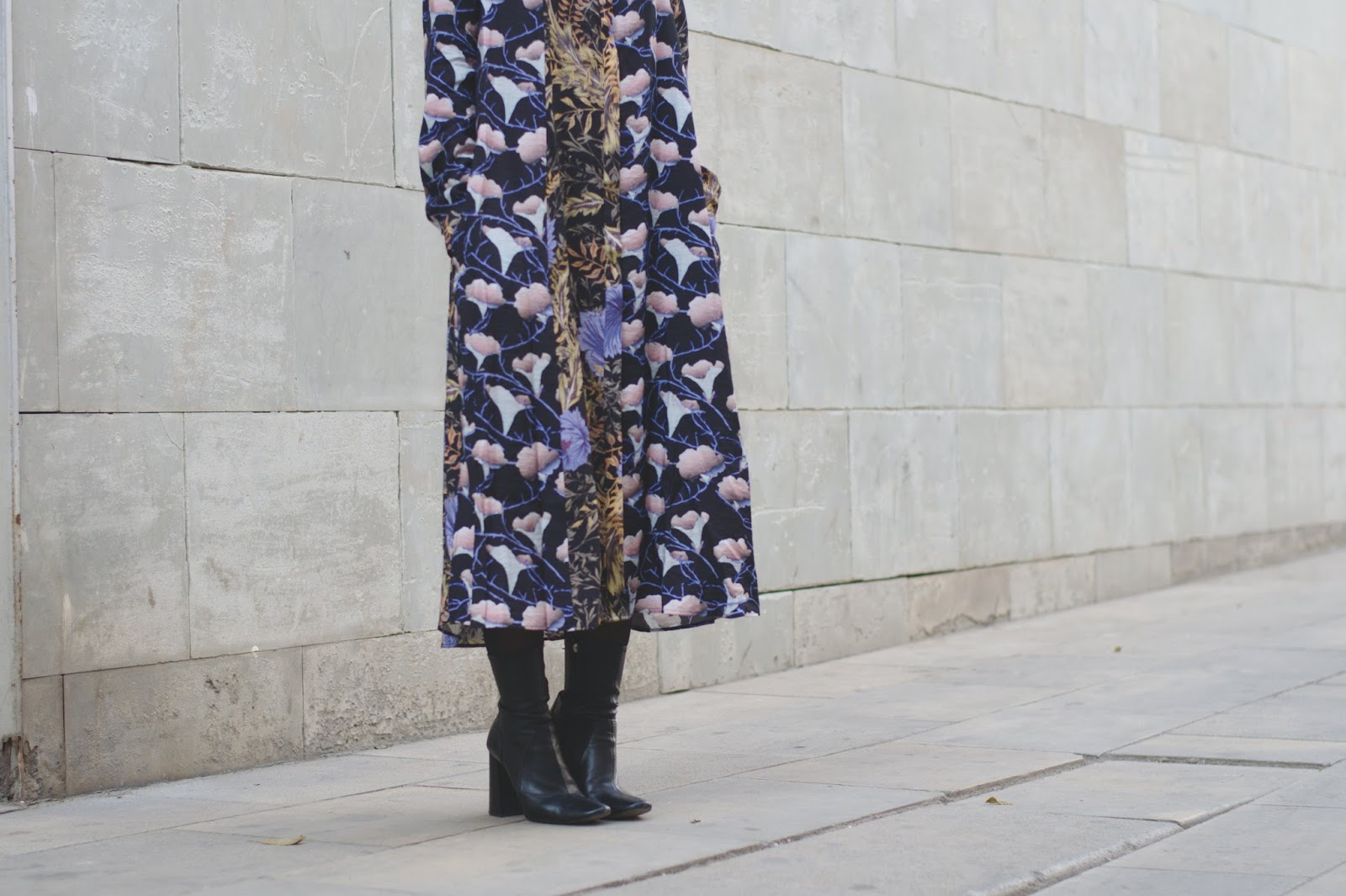 Vestido H&M, botines Zara