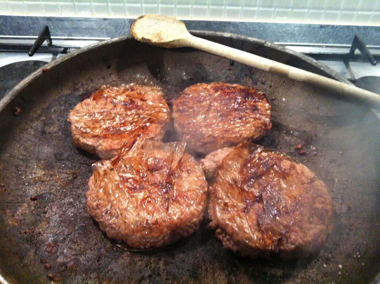 Golosando serenamente panini per hamburger for Cucinare hamburger microonde