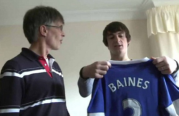 Leighton Baines paid a visit to Everton fan Gordon McKee after his wife passed away