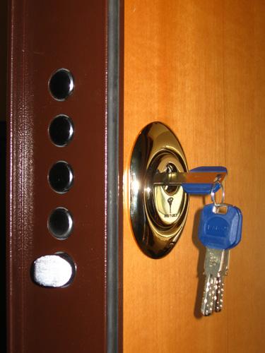 Sostituzione serrature venezia pronto intervento fabbro h for Serratura europea prezzi