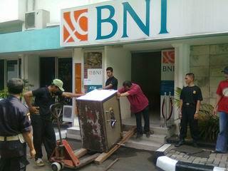 Pindahan 2 unit Brankas BNI Cempaka Putih Jakarta