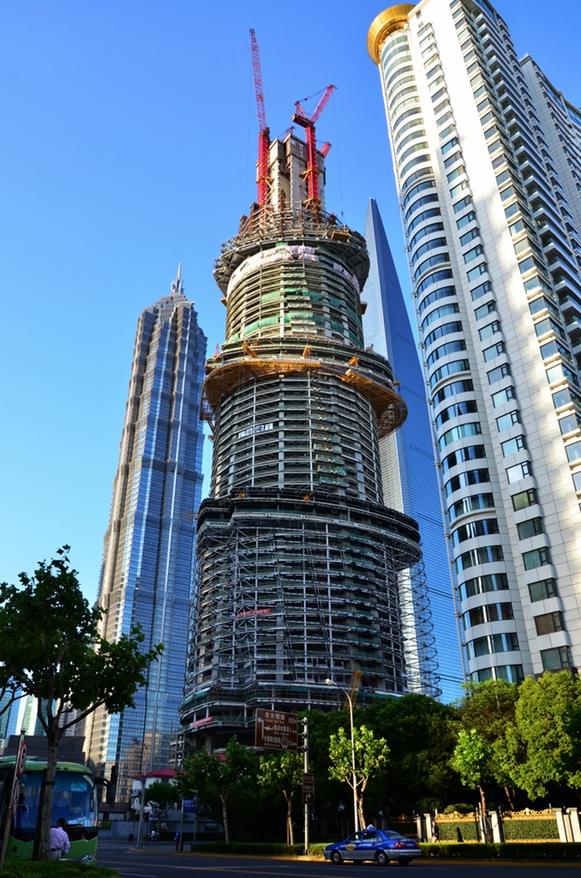 Shanghai Tower construction from the street