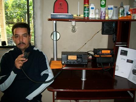PY4WAB FLAVIO em sua estação com o IC-718