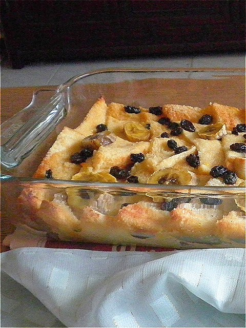 how to make bread pudding with raisins