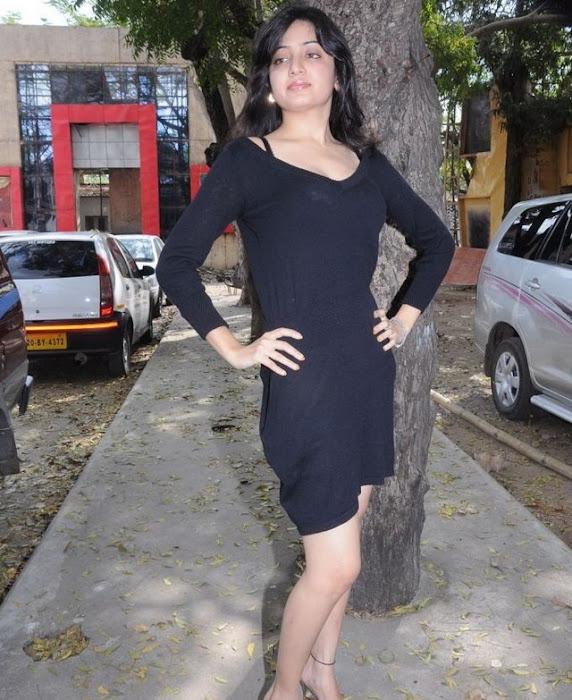 poonam kaur spicy in black skirt photo gallery