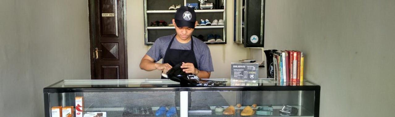 Jasa Cuci Sepatu di Bekasi, Jasa Laundry Sepatu Jakarta, Laundry Khusus Sepatu, Layanan Cuci Sepatu