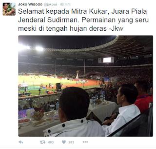 Jokowi nonton bola di GBK