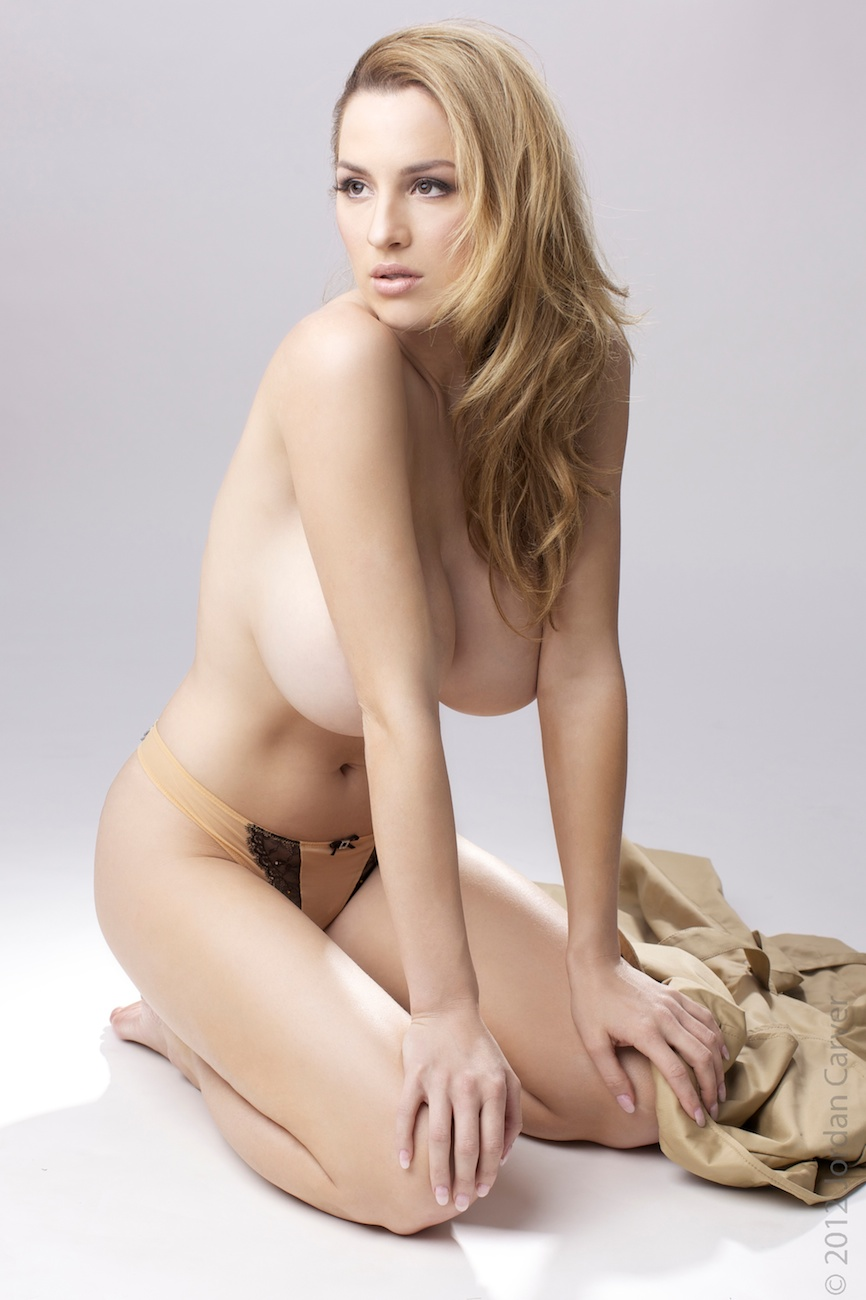 jordan carver nude photos