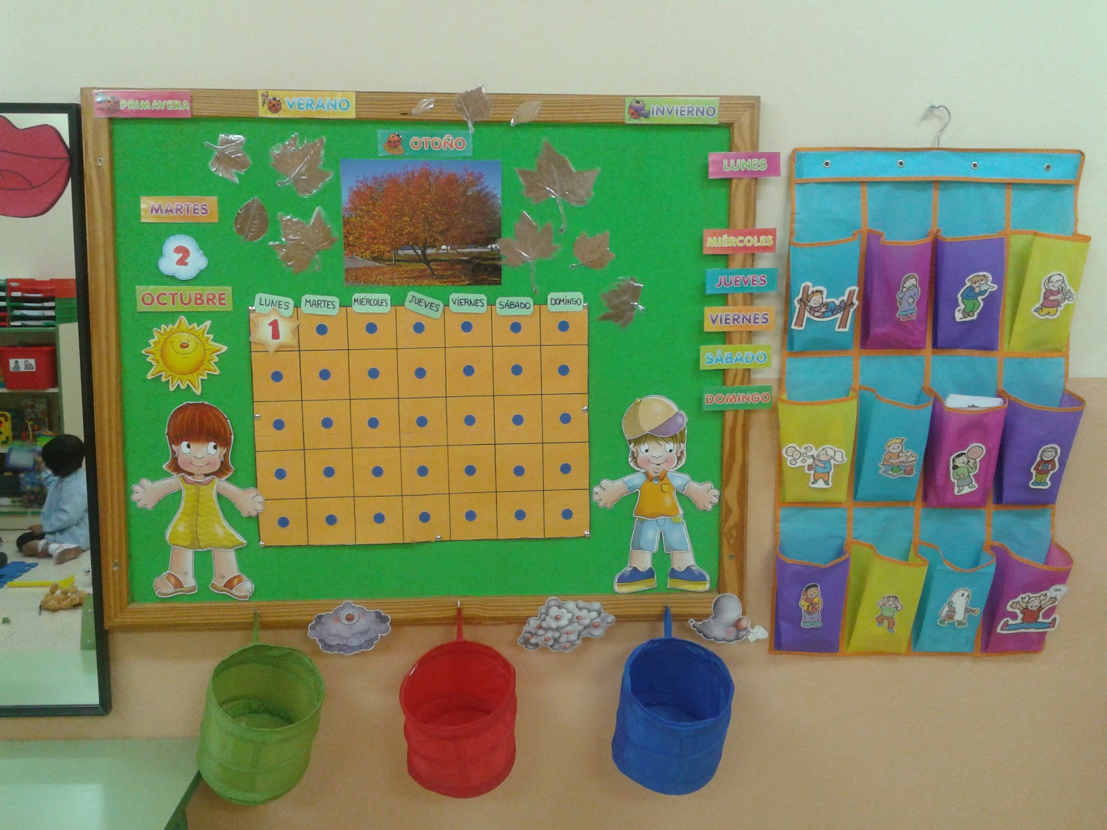 Otro panel reciclado maestros de audici n y lenguaje for Reciclado de placares
