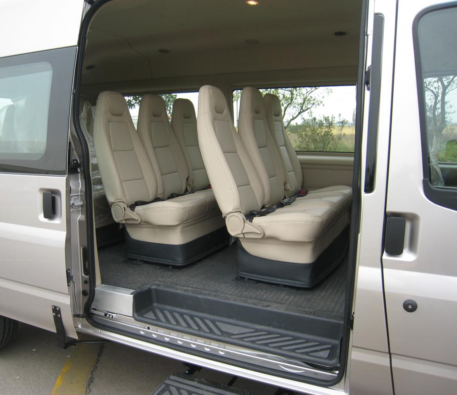10 Ford Transit 15str Minibus: FORD TRANSIT 16 CHỖ ĐỜI MỚI 2017 MÁY DẦU