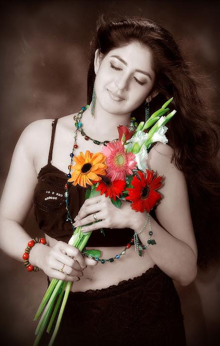 yagna shetty actress pics