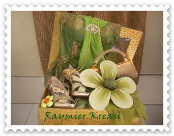 Raymier Kreasi Seserahan Pakaian Pesta