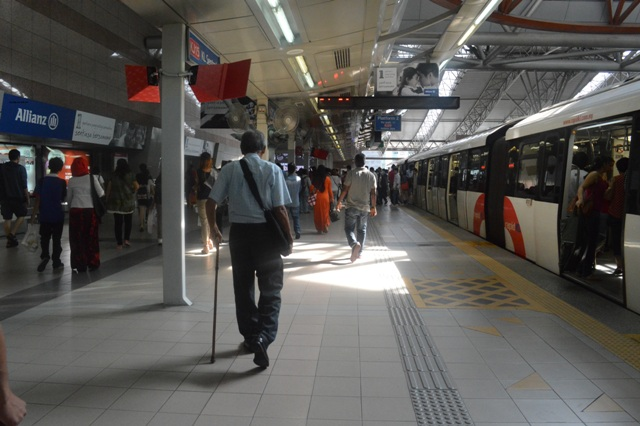 Jalan-jalan murah ke Malaysia