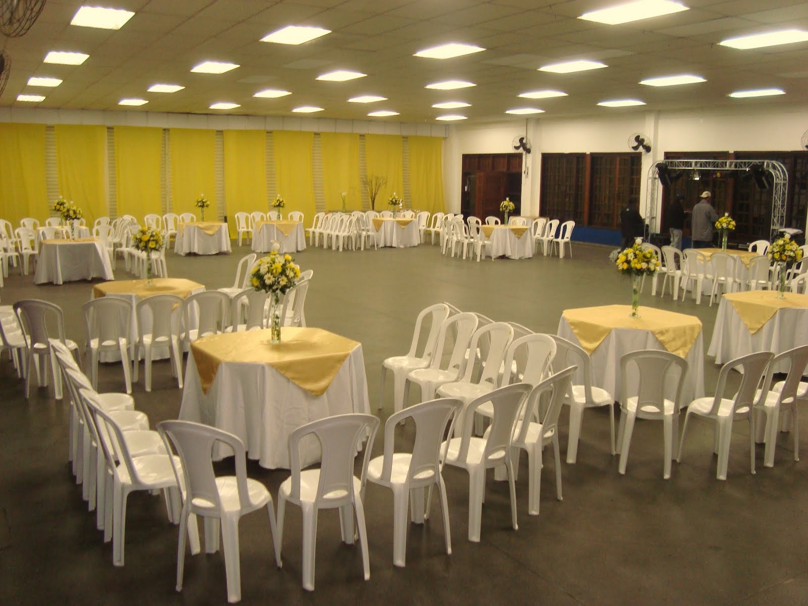 Da feira ao altar Casando com amarelo!