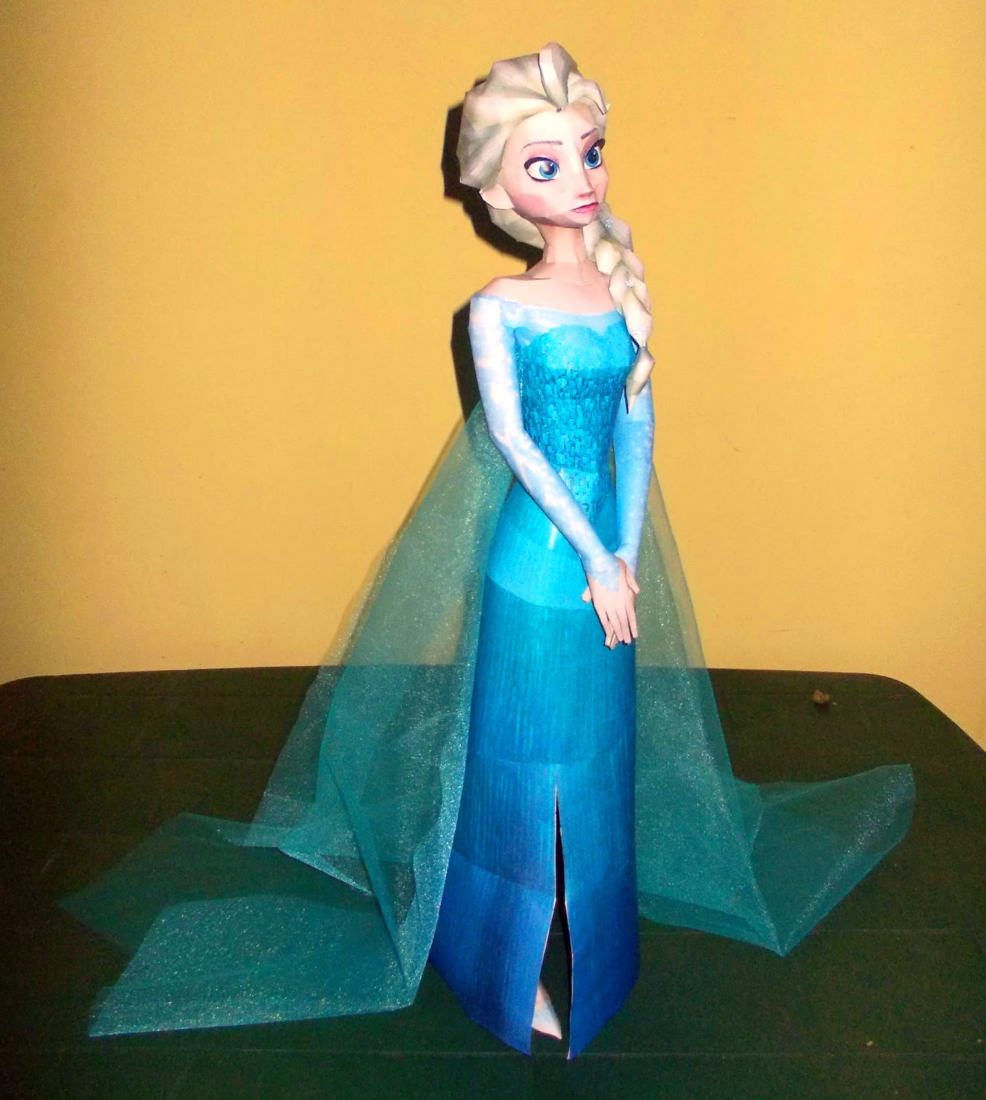 Elsa the Snow Queen Paper Model