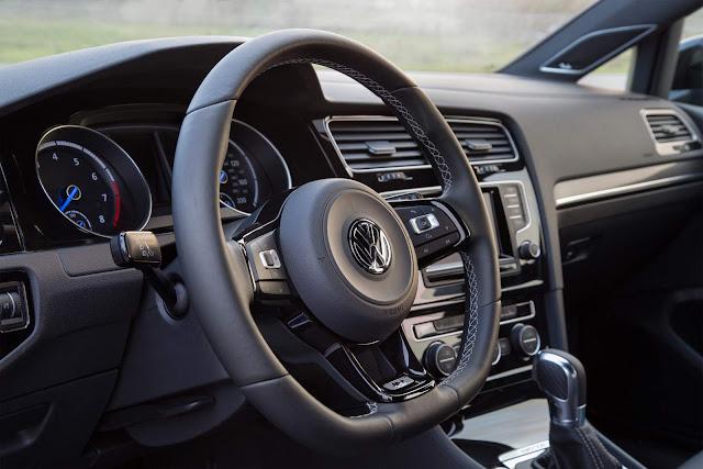 2016 VW Golf R - interior