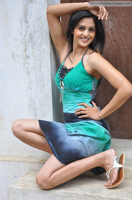 latest cute photos of Gauri Sharma