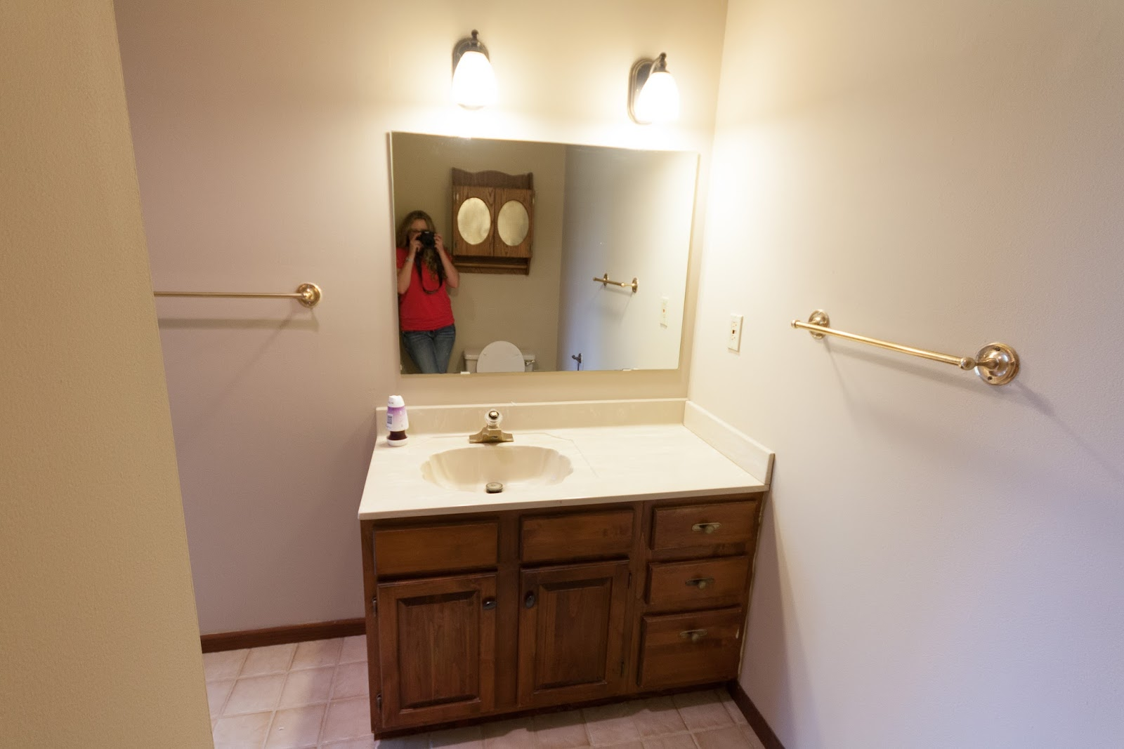 Vanity Lights Off Center : Russet Street Reno: Our finished bathroom