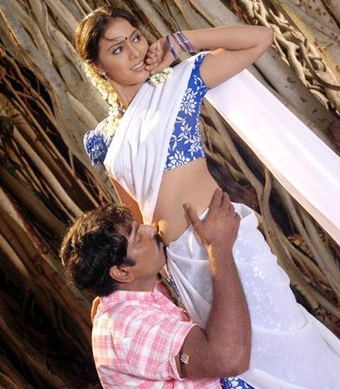 Cute hottie Hot Navel kiss in Half Saree | Gsv Pics - Photos with ...
