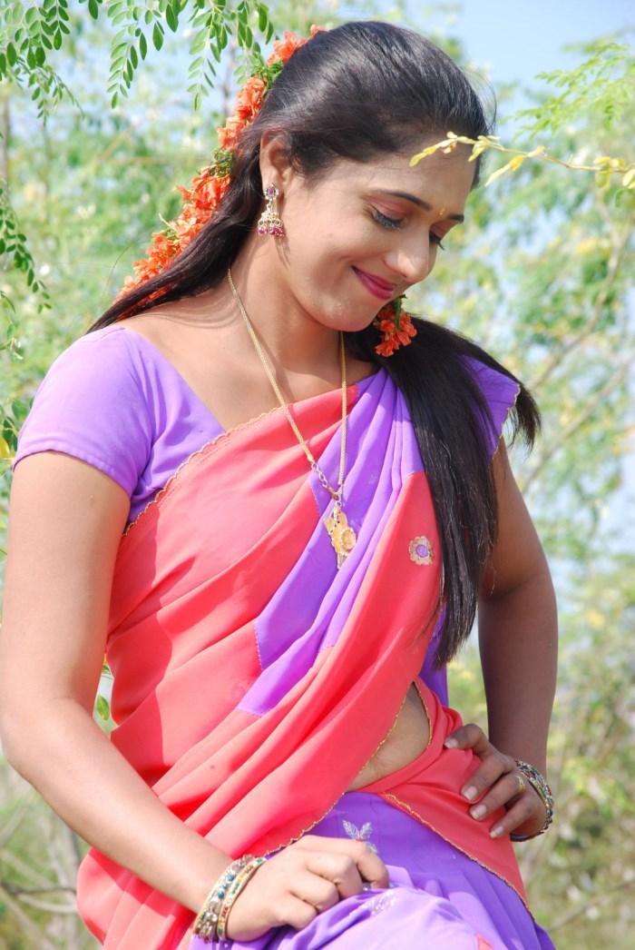 Actress Geetha Pallavi Kharjuram Telugu Movie Hot Saree Images