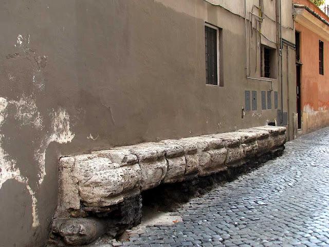 Stone bench, via Giulia, Rome