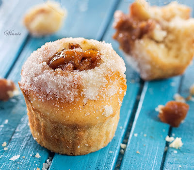 Donut-Muffins with apples or jam