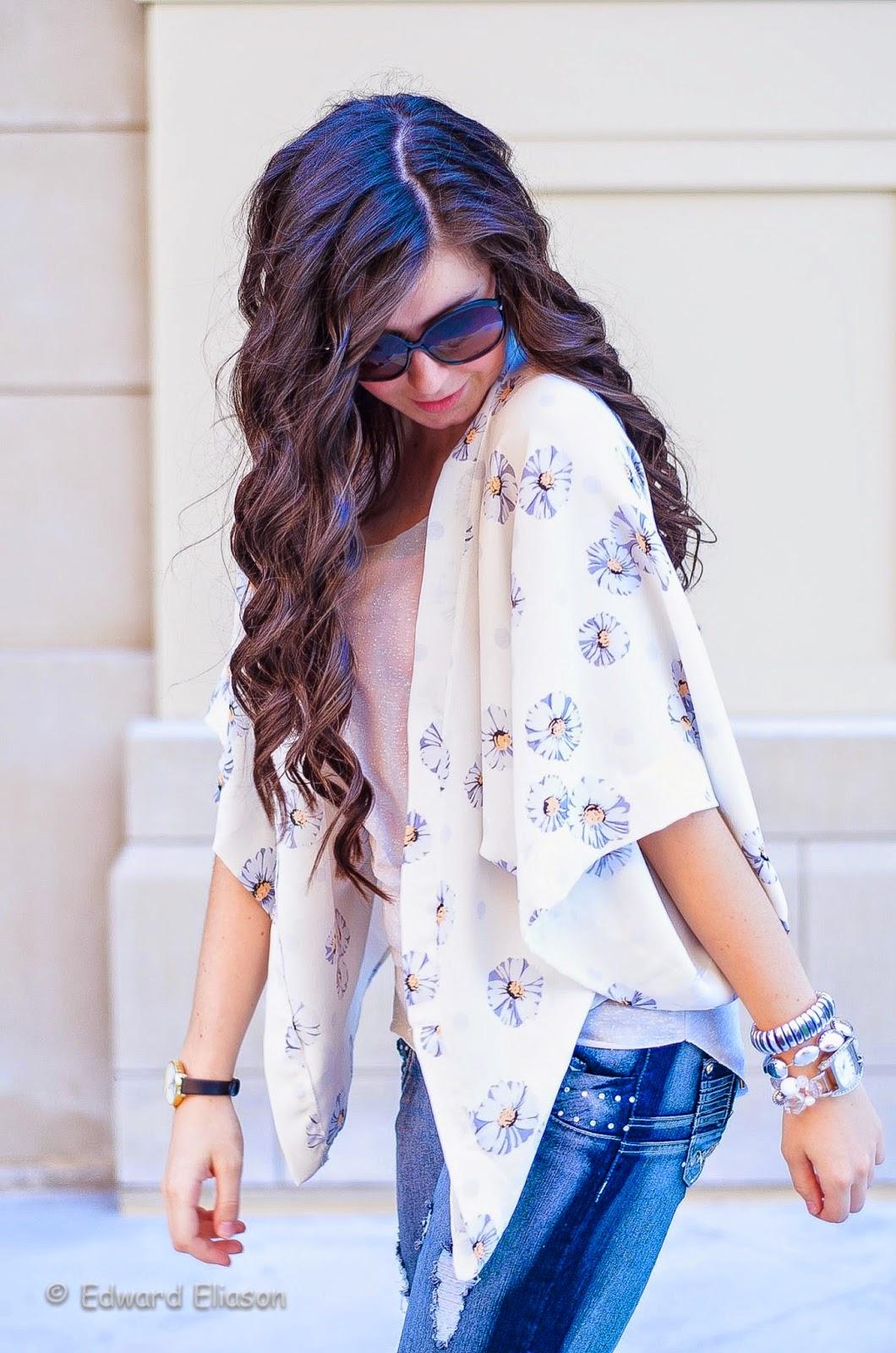 ami clubwear, daisy kimono, destroyed denim, floral kimono, jeans, kimono, kimono outfit, kimono top, the girl that loves, vivat virates,