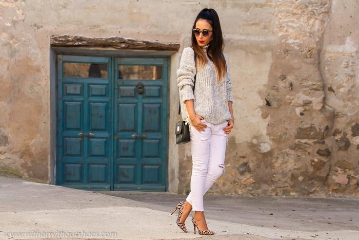 BLogger de moda Valenciana con zapatos de tacon bonitos de estampado animal tigre