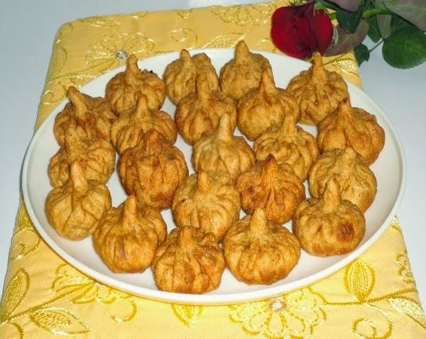 modaks in a plate