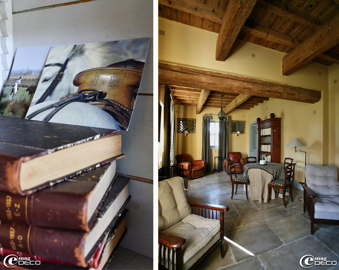 Petit salon décoré de mobilier années 1930, Le Mas de Peint en Camargue