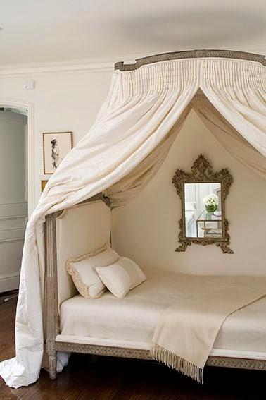 Letti a baldacchino-Canopy bed