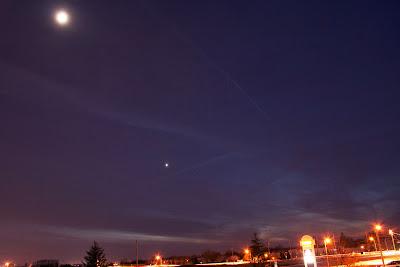 Moon with Venus, December 7, 2013