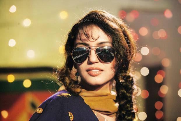 Bollywood actress huma in sun glasses 621x414