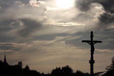 Cielo Santuario Virgen Lourdes Crucifijo
