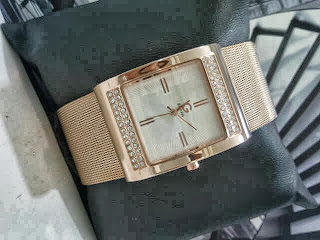 Jam Tangan Guess Pasir Diamond Rose Gold