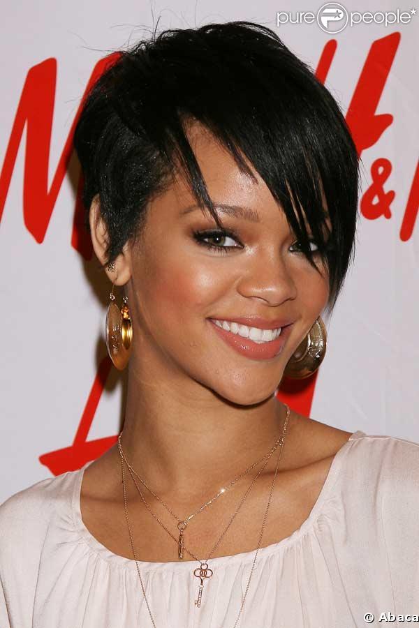 Lyrics (Lirik Lagu) Man Down - Rihanna I didnt mean to end his life