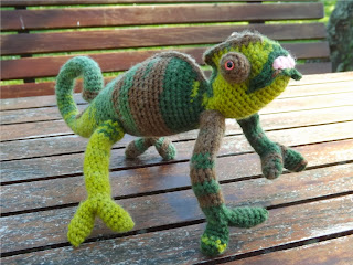 Camaleón de crochet amigurumi