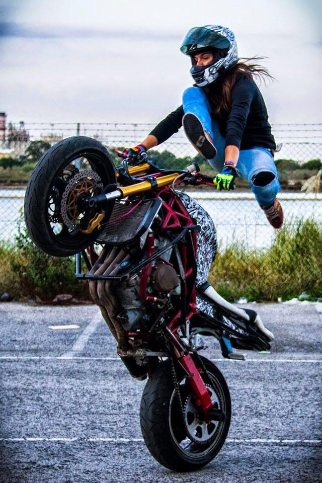 video sarah lezito best stunts ever on her ride rider 39 s digest. Black Bedroom Furniture Sets. Home Design Ideas