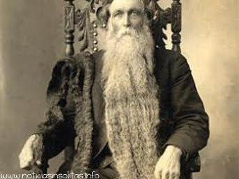 muerte por pisarse barba