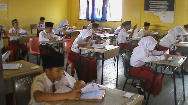 PPelaksanaan Ujian Madrasah MI 2014.