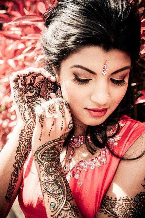Beautiful Latest Simple Arabic Pakistani Indian Bridal Girl Mehndi