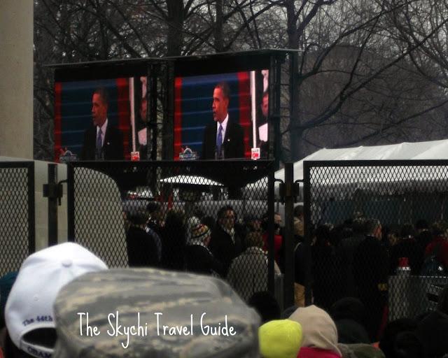 "<img src=""image.gif"" alt=""This is President Barack Obama"" />"