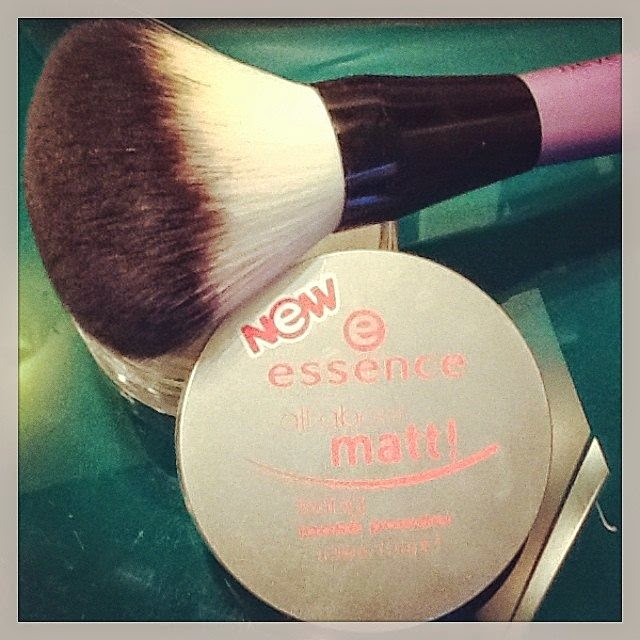 Essence Powder and Neve Cosemtics Brush