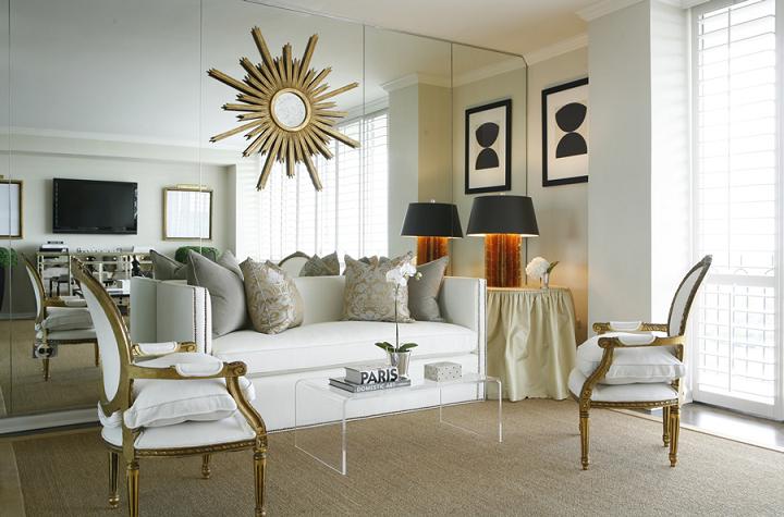 Decore com gigi dourado com o sol de testemunha for Decoracion con espejos en paredes