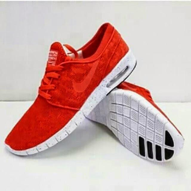 Sepatu casual nike warna merah