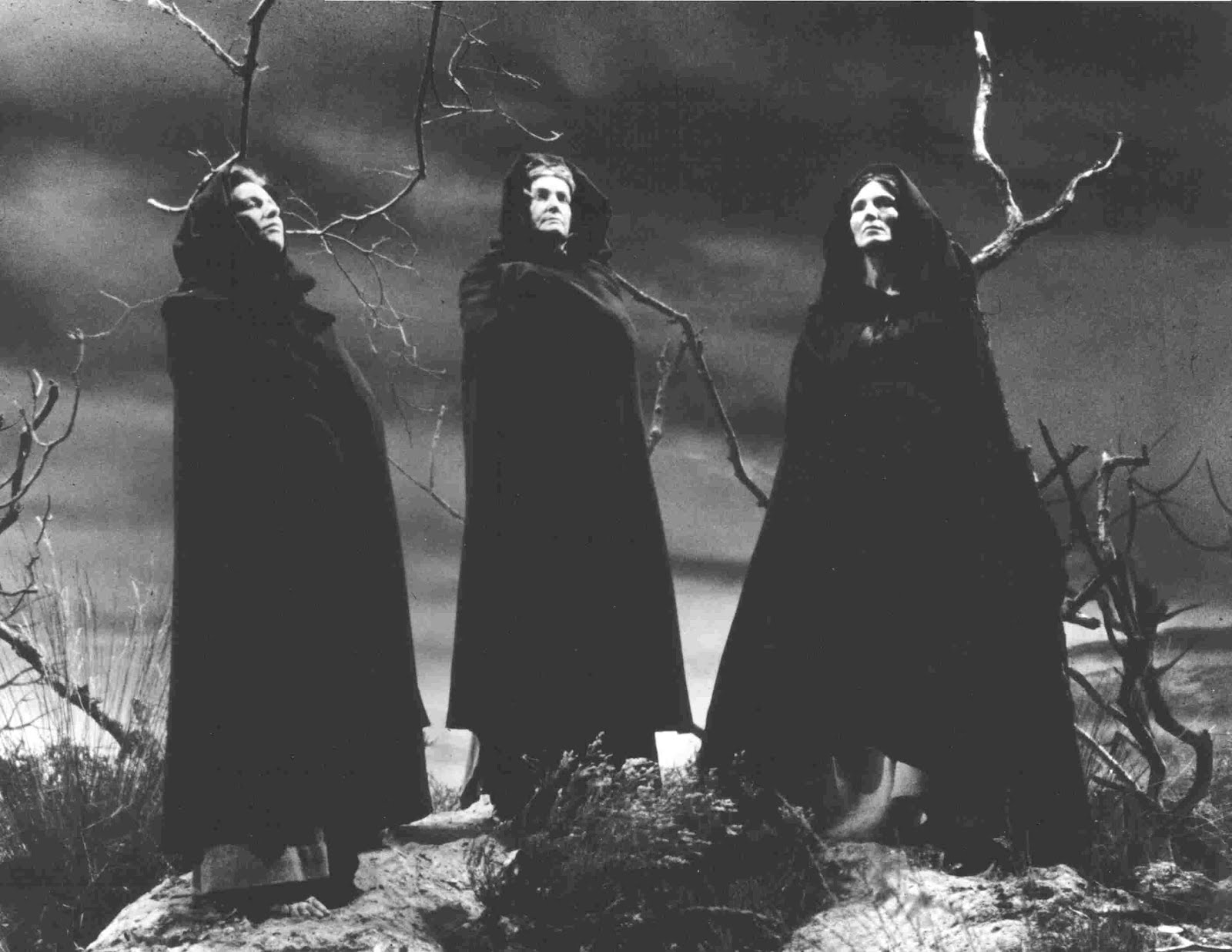 Three witches macbeth opening lines dating 3