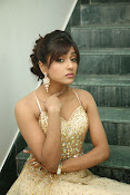 glamorous Vithika sheru new sizzling pics-thumbnail-15