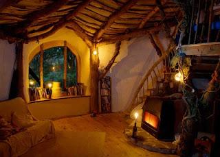 уютный дом, избушка, чаепитие, плед, лесной дом, свечи дома,