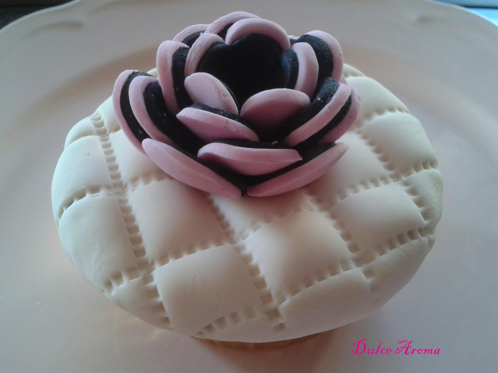 Dulce aroma cupcakes de alta costura estilo chanel - Mundo de la reposteria ...